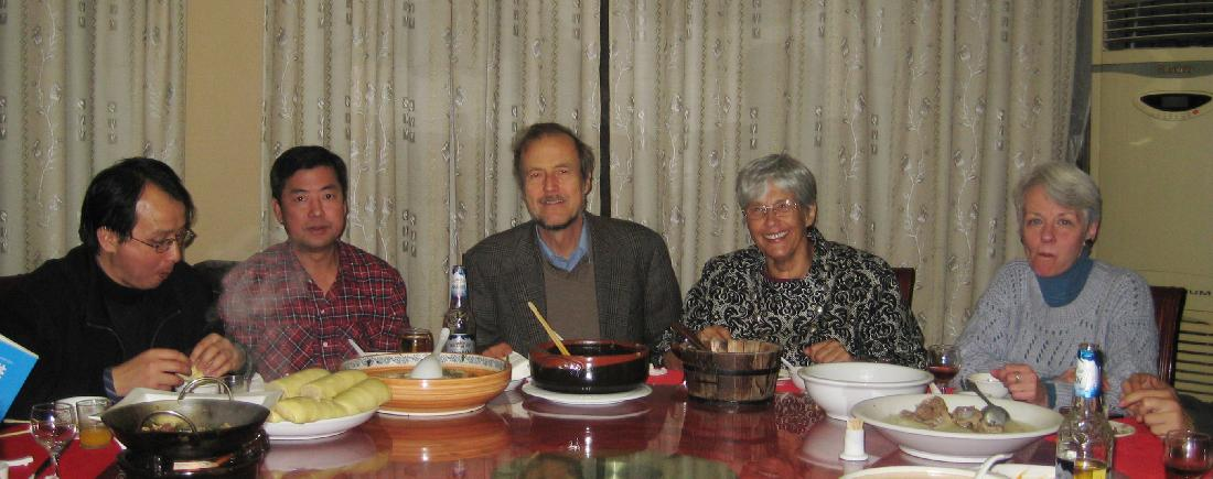 2009 - 2 months in Xiangtan with prof Liu - good-bye party (a).jpg 4.3K
